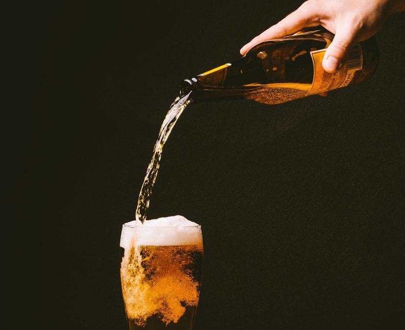 Cerveza artesana personalizada: el regalo más original para tus clientes